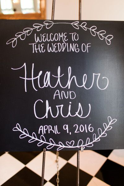 Welcome sign idea - black sign with white hand-lettered text {Amber Rhodes Photography}