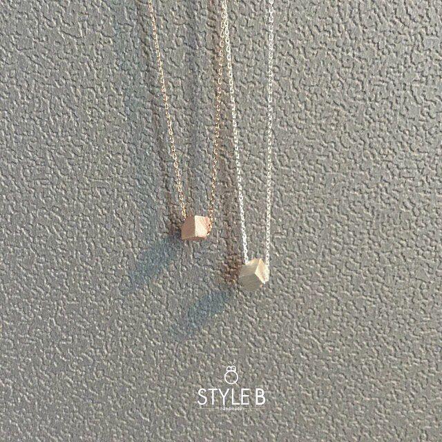 cube necklace ✨▫️✨ #스타일비 #은목걸이 #실버목걸이 #미니멀목걸이 #핑크골드 #핑크핑크 #박스목걸이 #목걸이 #styleb #silver #925 #cube #box #necklace