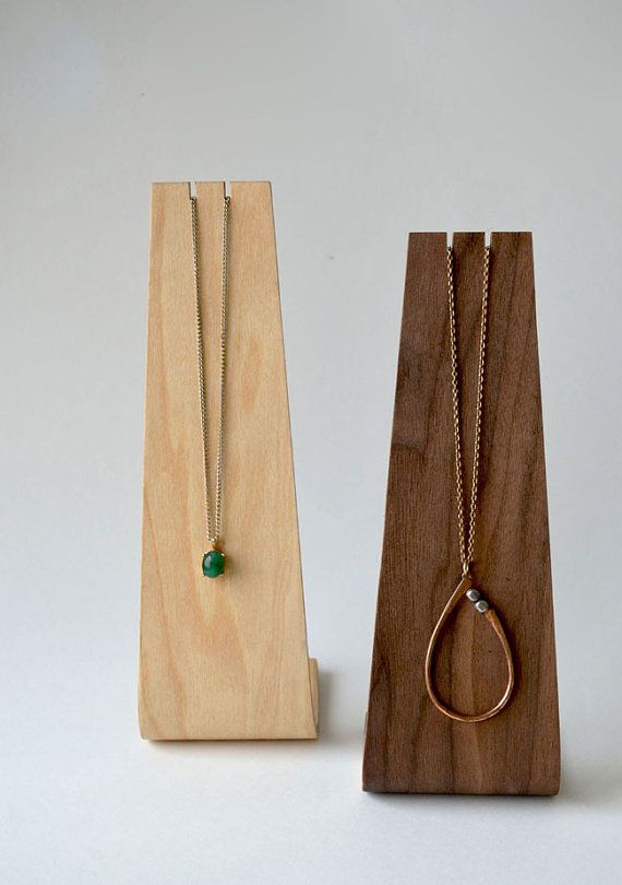 Very cool way to display jewellery - andersenfamiliar_etsy_necklace