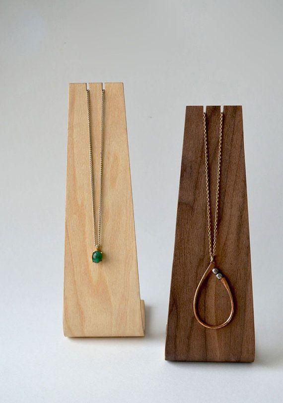 Very cool way to display jewellery - andersenfamiliar_etsy_necklace