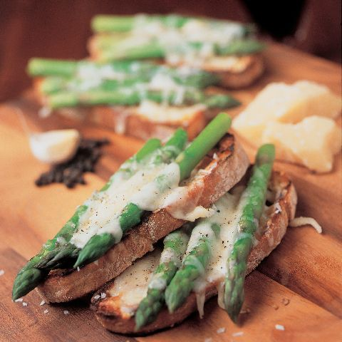 grilled bruschetta with asparagus and parmesan. mmmmm.