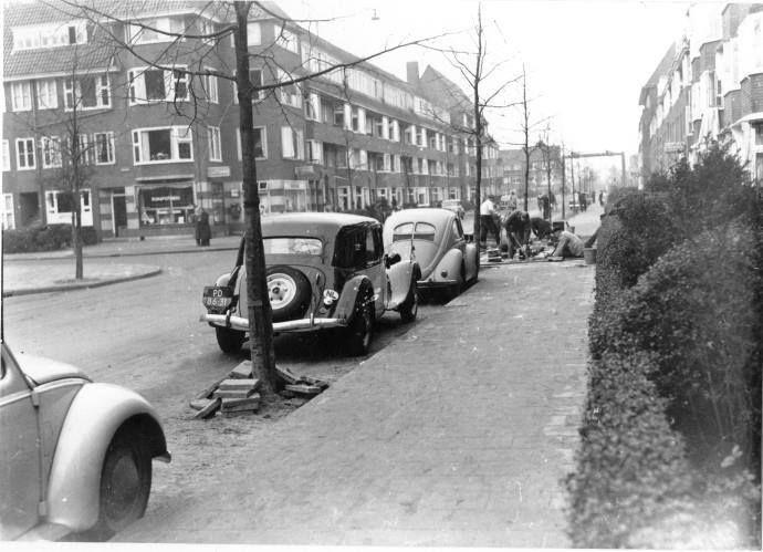 De Parkweg met de verbreding van de rijweg in 1953 met links de Rijnstraat - Foto's SERC