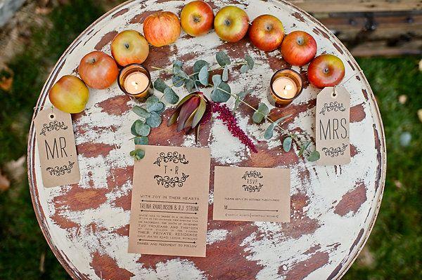 Kraft paper wedding invite. Apples. Michigan fall favorites wedding inspiration. Amanda Dumouchelle Photography.
