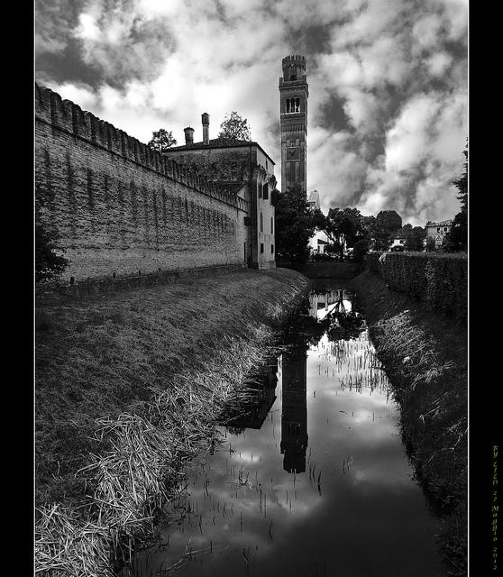 Castello di Roncade (Treviso) by danilo.rizzetto, via Flickr #Invasionidigitali il 24 aprile alle ore 13.30 Invasore: Elena Crudo e Federica Altoè