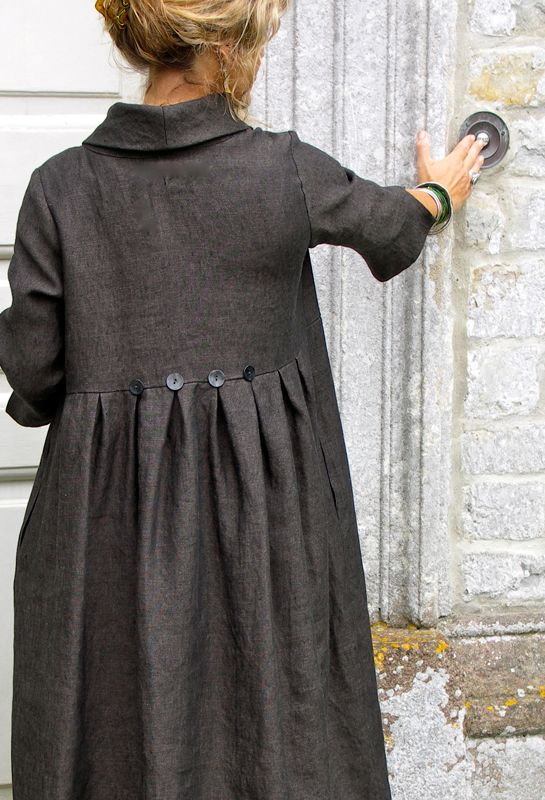 Winter Button Dress (idea for the back of a coat). love this!!