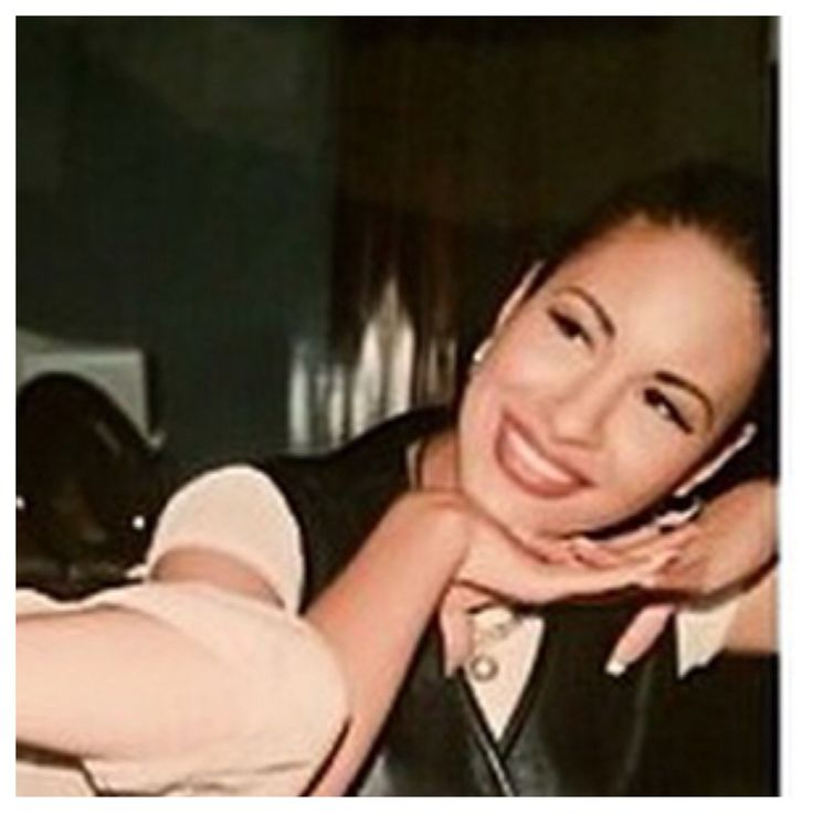 Rare pic of Selena Quintanilla Perez I found on IG