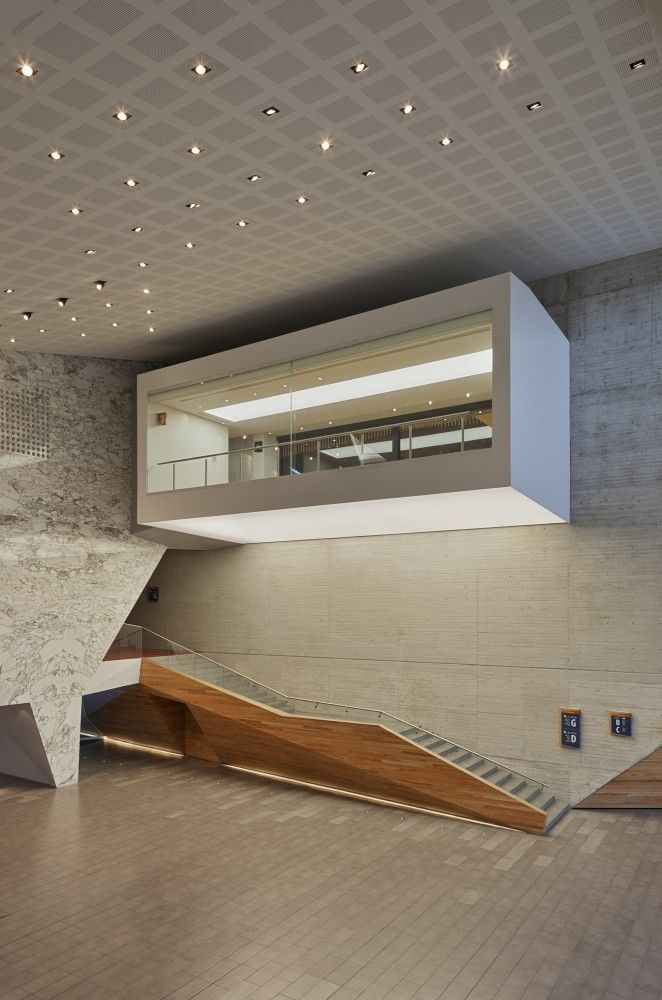 Roberto Cantoral Cultural Center / Broissin Architects