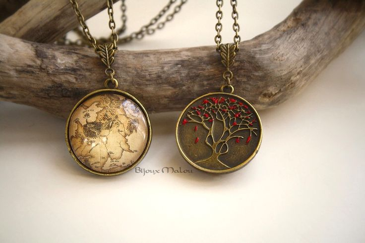 Double Sided GoT Westeros Map Necklace and Heart Tree Necklace Godswood Weirwood Hand Painted The North Map Game of Thrones Jewellery by BijouxMalou on Etsy https://www.etsy.com/listing/206276090/double-sided-got-westeros-map-necklace