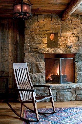 Al calor del fuego de una chimenea de piedra http icono - Chimenea de piedra ...