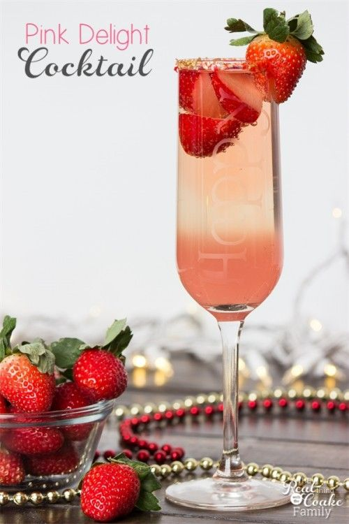 Love finding pretty and delicious drink recipes. This is a gorgeous and delicious Cocktail recipe - perfect for our New Year