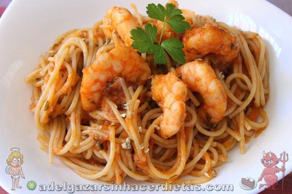 CON VIDEO. Receta saludable de Pasta con langostinos baja en calorías, apta para diabéticos y baja en colesterol.