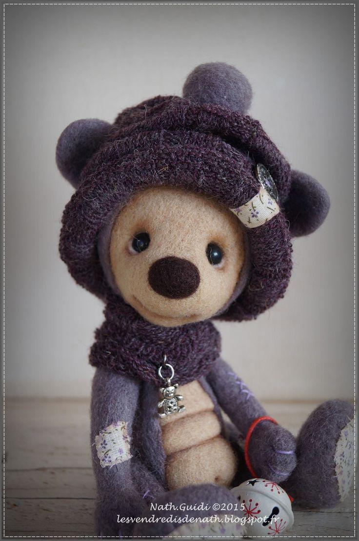andy petit ours de collection en laine feutr e bonnet violet autres art par les vendredis de. Black Bedroom Furniture Sets. Home Design Ideas