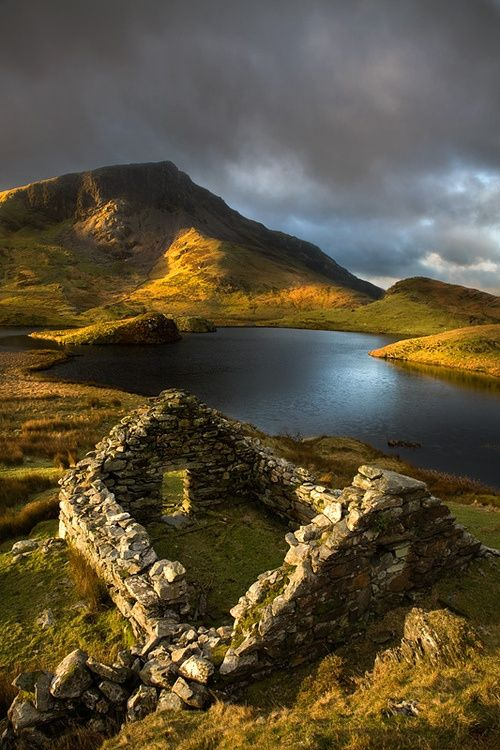 Ancient ruins, Llyn Dwyarchen, Wales