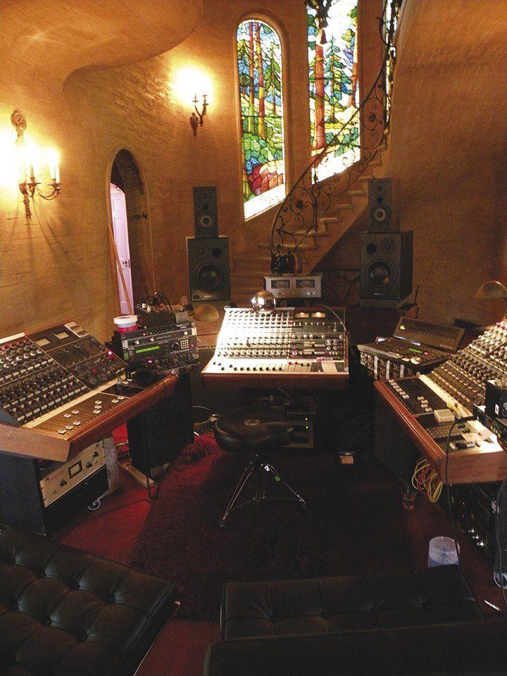 Daniel Lanois Home Studio