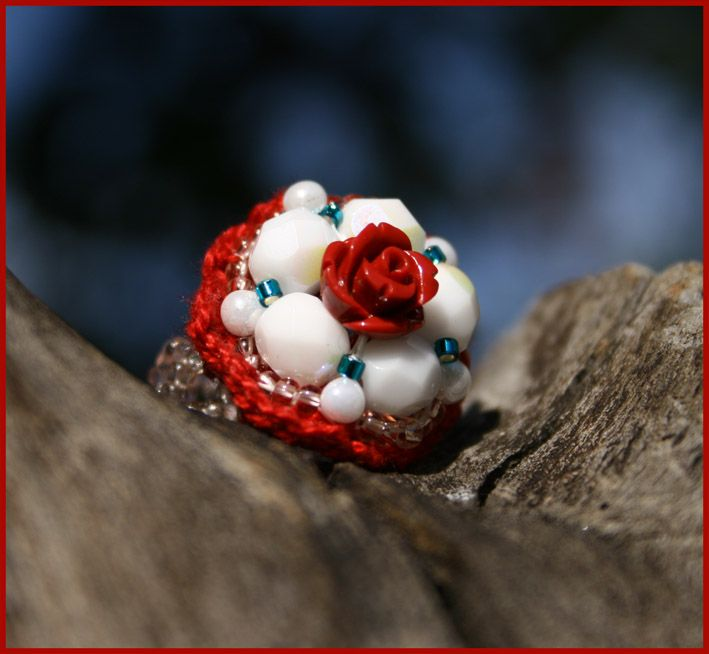 Romantic crochet ring