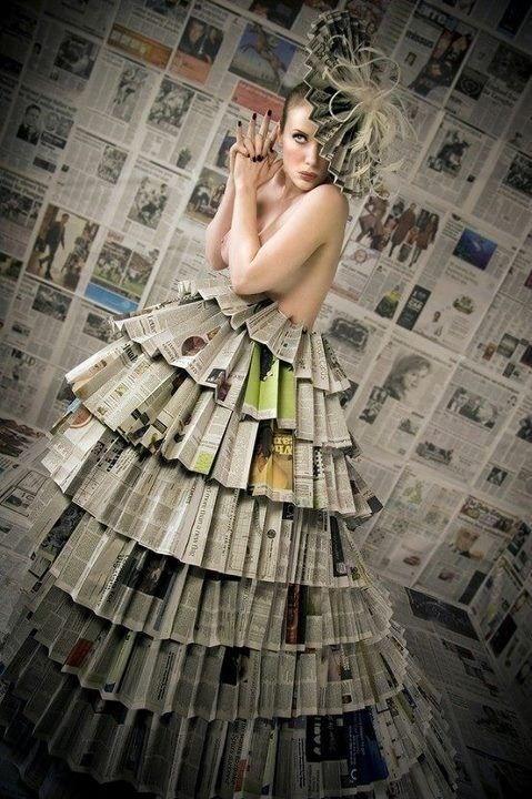 Vestito di giornali