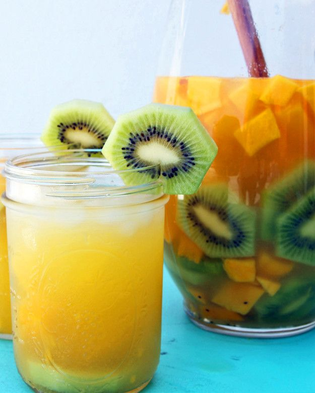 Mango Kiwi Pineapple Sangria | This Tropical Sangria Is What's Up For The Weekend Pool Party