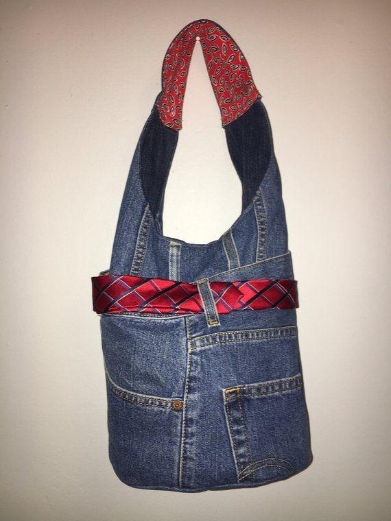 Sac à main en Jean Levi en fabriqués à la main génial. Levis recyclés  hommes dans à ce sac à main grand seau. Doublé avec fermeture par aimant,  ... 468baadce335