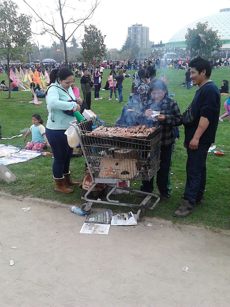 Shopping Trolley BBQ, Parada Militar