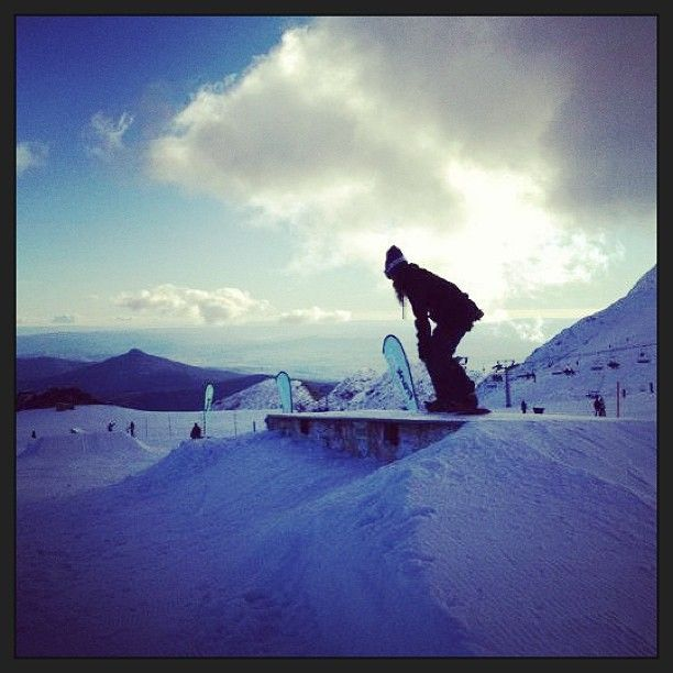 Photo by d_i_r_t_y__d  #snowboarding #mtbuller #parkrat #snow #burton #clouds