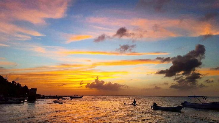 Our last #sunset in isla Holbox By @frommexicodown  Holbox Quintana Roo  #colors #nature #nofilter #orange #beachvibes #lifeisgood #believe #visitmexico #holbox #qool #traveler #wanderlust #lifestyle #caribbean #passion #heaven #paradise #quintanaroo