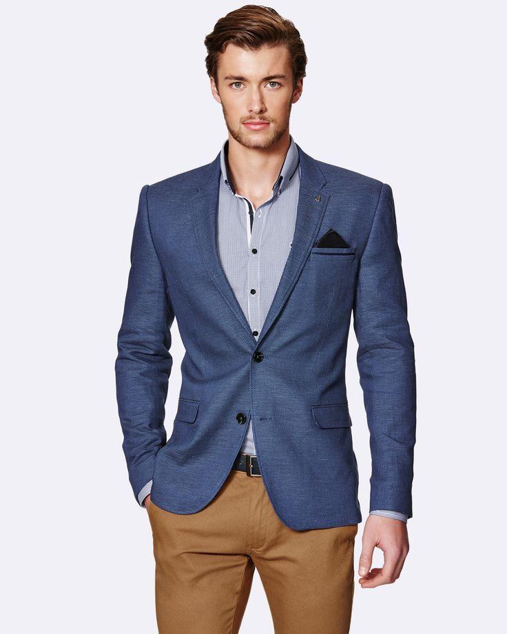 Quizás pueda ser porque parece que la moda masculina nunca cambia, aunque lo cierto es que la ropa de moda para hombre es más versátil y cambiante de lo que parece. Y es que, aunque parece que los hombres sólo utilizan pantalones, jeans, camisas, playeras, 5/5(13).