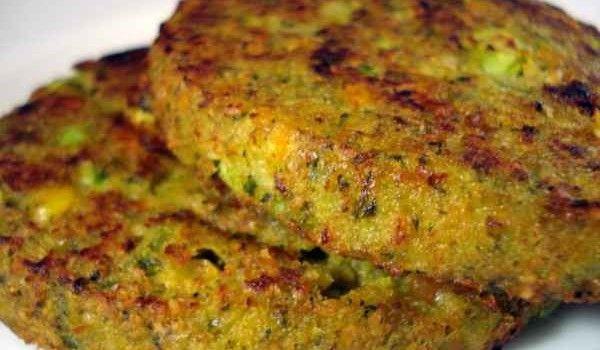Μια εύκολη συνταγή για ένα πολύ νόστιμο και υγιεινό φαγητό. Μπιφτέκια λαχανικών για να φάνε τα παιδιά, εύκολα, λαχανικά πεντανόστιμα και...
