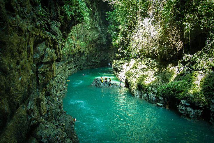 Green canyon atau cukang taneuh di Cijulang, Kabupaten Pangandaran, Jawa Barat