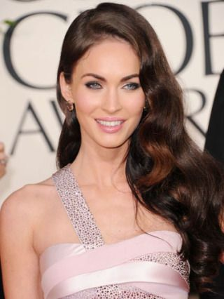 Sexy, cascading waves, like Megan Fox's mane, would complement a strapless wedding dress. How can i get the same beautiful hair ? shop online: http://www.belacahair.com/ Email: belacahair@yahoo.com Skype: belaca-hair WhatsApp: 008613247531950