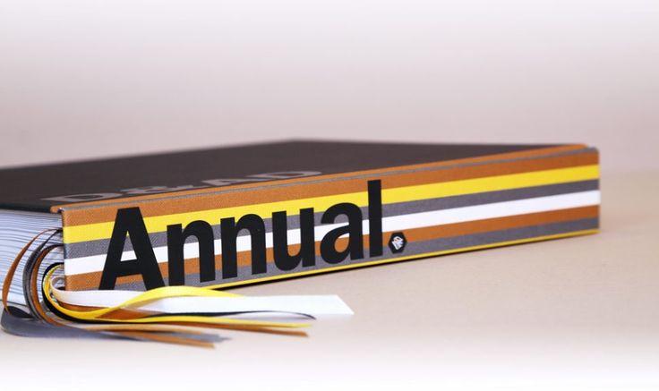 El D&AD lanza la 55º edición de su anuario y Bruce Duckworth ha seleccionado a Jim Sutherland como el diseñador de este anuario D&AD 2017; un veterano de D&AD y fundador de Studio Sutherl &, el estudio de diseño más premiado en los premios de la asociación de diseño y publicidad.