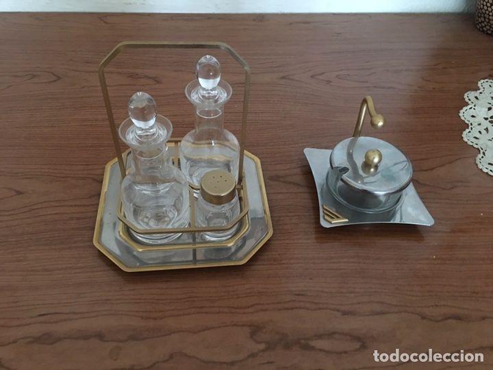 Vinagrera y azucarero de acero inoxidable sin usar for Mesa cocina vintage