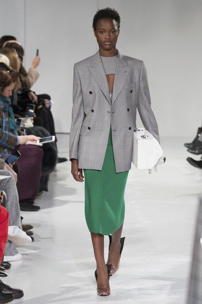 See the complete CALVIN KLEIN Fall 2017 Ready-to-Wear collection.