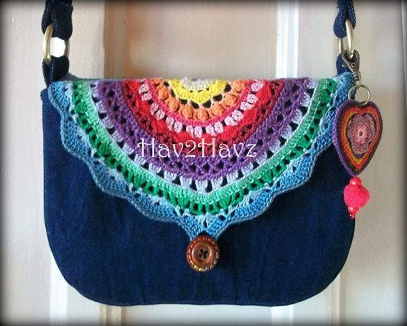 Lovely rainbow colours. The link doesn't take you anywhere unfortunately but it looks like a half circle you could easily add to any bag.