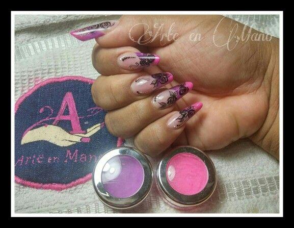 #face #arteenmano.nails #mandorla #neonnails