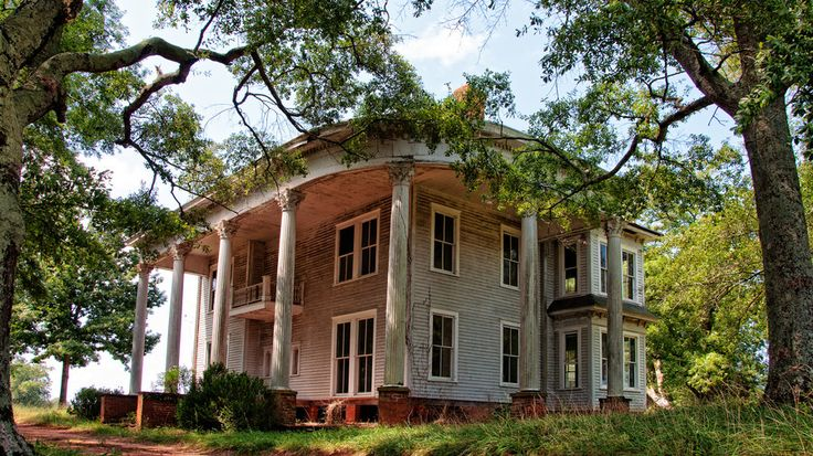 One of many abandoned once stately homes along country roads in North Georgia