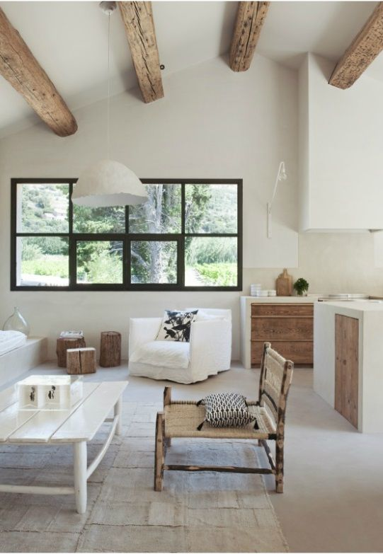 decordemon: Renovation of a farmhousef in Provence by architect Marie-Laure Helmkampf
