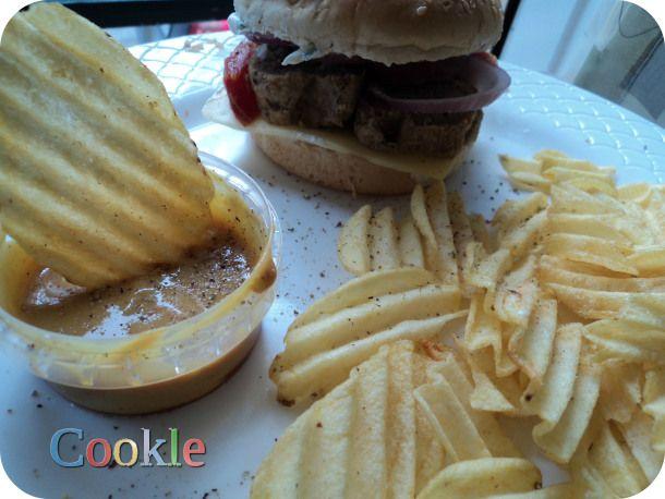 Greek Burger... Cookle IT  Twitter: @Cookle Facebook Page: https://www.facebook.com/pages/Cookle/626348860744617   Google+: https://plus.google.com/u/1/b/113763562051352107417/113763562051352107417/posts