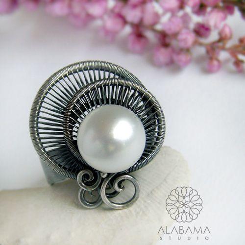 ALABAMA - Perłowa meduza - srebrny pierścionek wire-wrapping z perłą