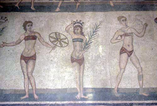 i mosaici della villa romana: scena delle ragazze in bikini PIAZZA ARMERINA Sicilia    #TuscanyAgriturismoGiratola