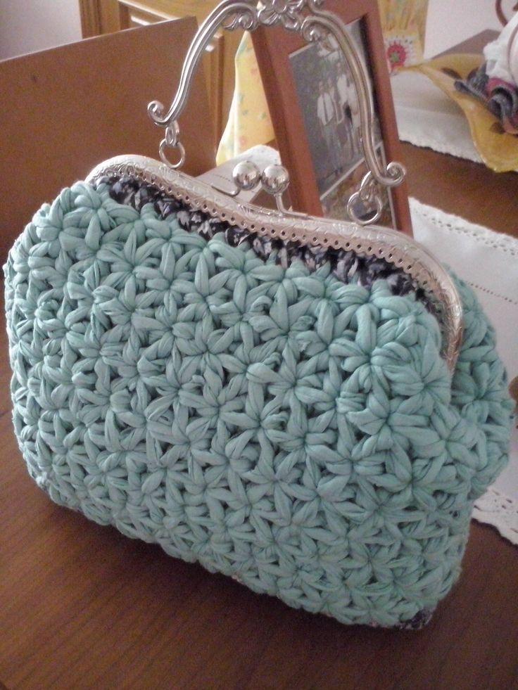 Bolso de trapillo en ganchillo punto estrella color agua - Puntos crochet trapillo ...