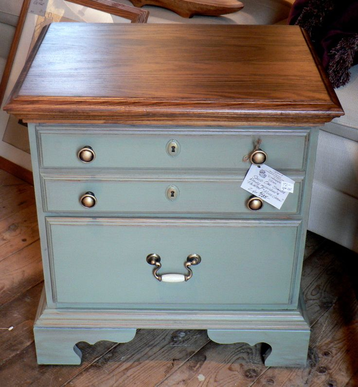moss green chalk painted end table