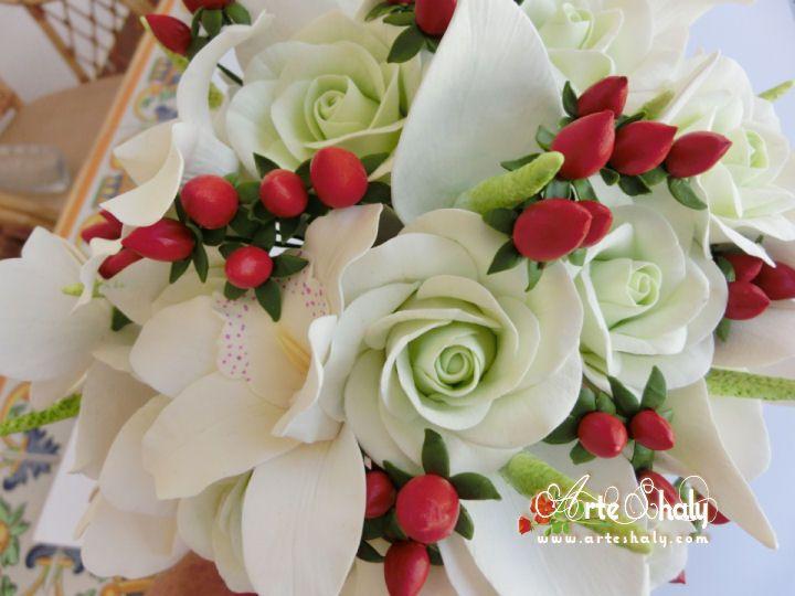 Flowers of clay. Bouquet of bride, composed of orchids and anthuriums and hyperic................  Flores de arcilla. Ramo de novia, compuesto de orquídeas y anthuriums y hypericos.