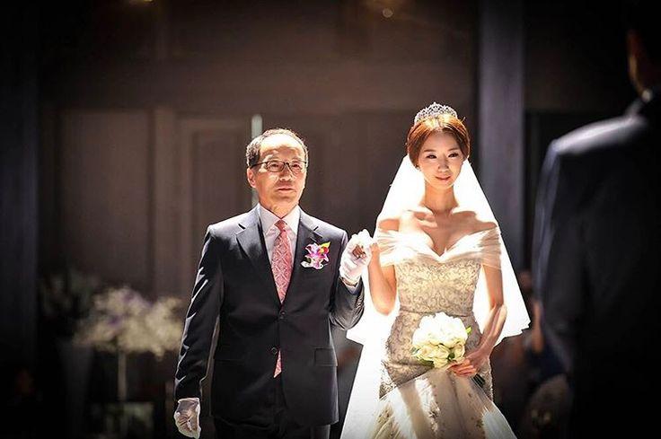 결혼축하해�������� . . . #결혼#pic#wedding#친구#사진#축하##weddingdress#congratulations#일상#bjj http://gelinshop.com/ipost/1522210008892472213/?code=BUf-fAllHuV