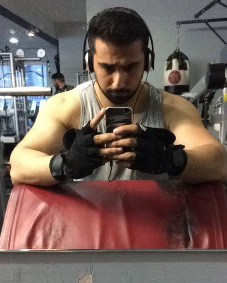 Slow and steady wins the race!  Results are slowwwww but patience is high! Summer is here, tank tops are out!  #aesthetics #pump #transformation #italy  #workout #gym #healthy #fitness #instatravel #london #paris #sydney #dubai #singapore #rome #travel #halal  #f4f #l4l #photography #training #instagood #bodybuilding #training #ripped #sun #instafit #model #grind #mealprep  #deadlift http://tipsrazzi.com/ipost/1513393576732955740/?code=BUAp3CShpRc