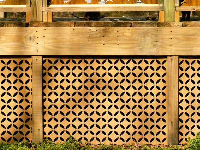 cool idea for deck skirting...i really dislike the traditional lattice work that is often used.