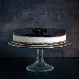 No bake cheesecake with blackcurrant jelly (in Polish with translator)