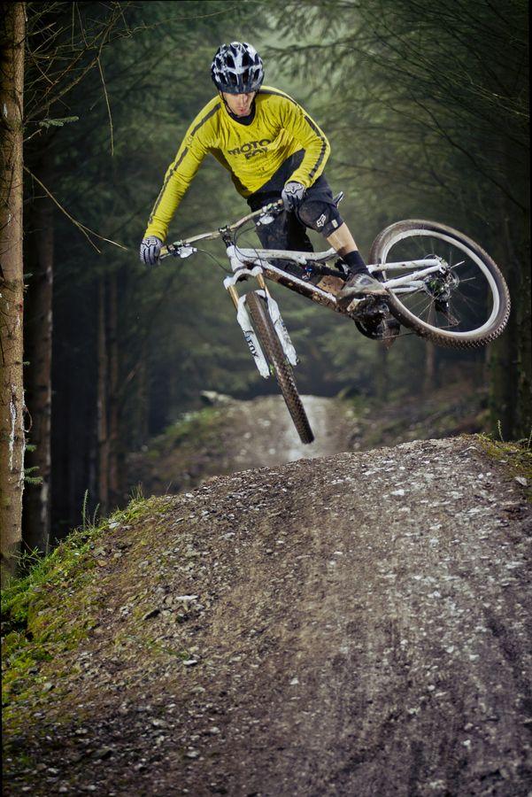 ♂ Outdoor Sport Mountain Bike Scrub Whip Laurence Crossman-Emms