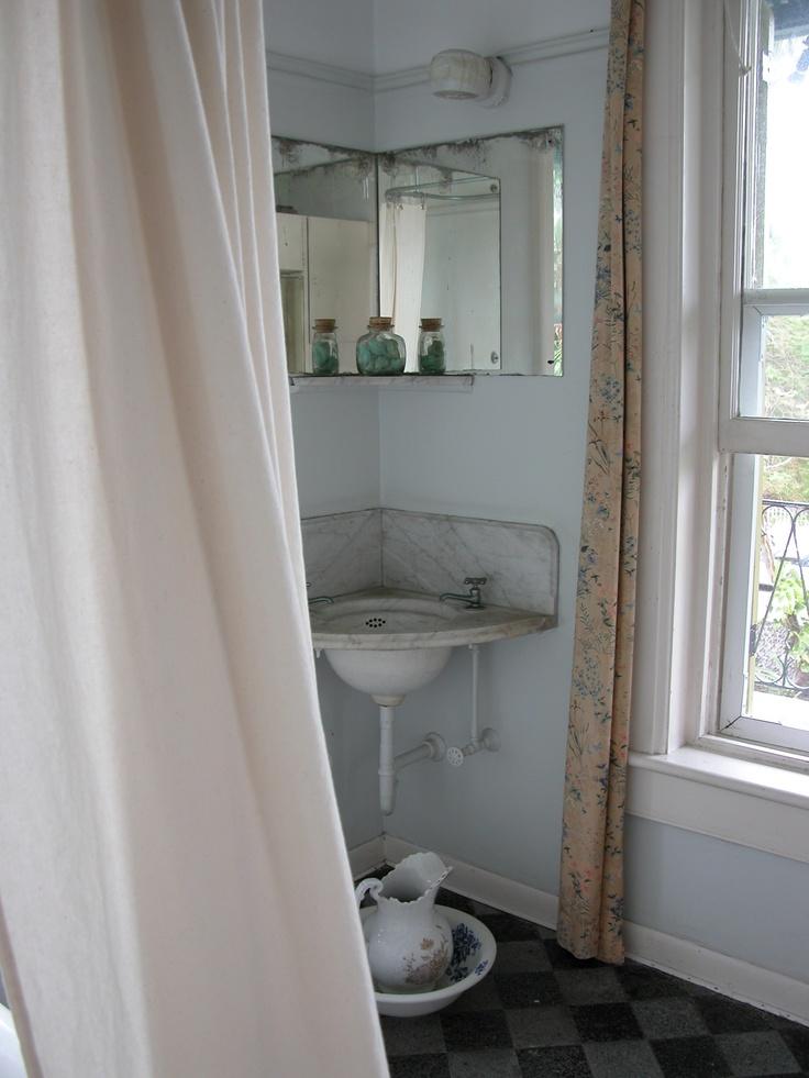141 best bathrooms key west style images on pinterest for Bathroom designs in kenya
