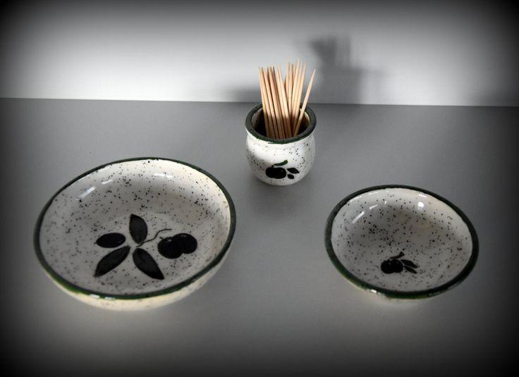 Set van 2 unieke handgedraaide tapas kommetjes / schaaltjes + houder tandestokers / handgeschilderde decoratie olijven - keramiek door Evacreajewel op Etsy