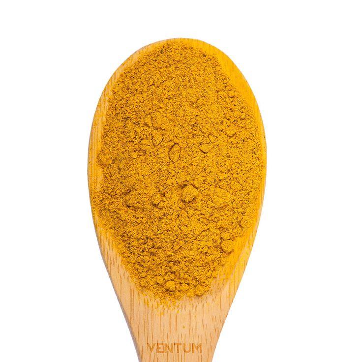 El curry es uno de los elementos más conocidos de la cocina India. Se trata de una especia creada con la fusión de distintas especias. Al tomar curry, el comensal disfrutará de diferentes y muy variados sabores. El curry está formado por cilantro, comino, jengibre, ajo, canela, clavo, cayena y todo ello decorado por el color amarillo anaranjado que ofrece la cúrcuma. Debido a la gran variedad de especias en su composición, el curry, posee un sabor picante a la par que dulce con toques leves…
